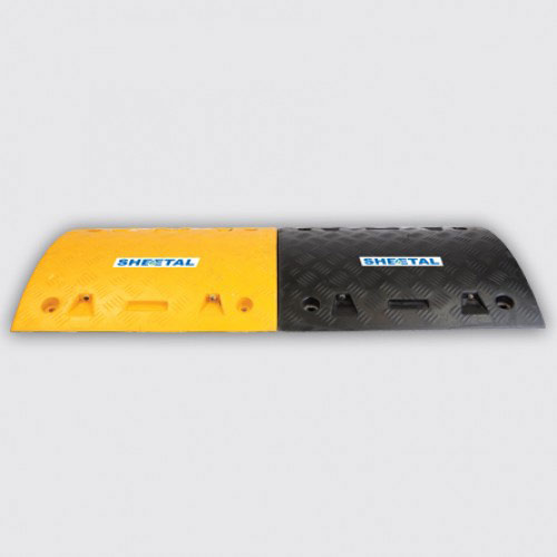 Speed Breaker Rubber M6 - Road Barriers for Safety  - The Sheetal Group